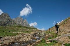 21. Trekkers making their way through the Nichnai pass_