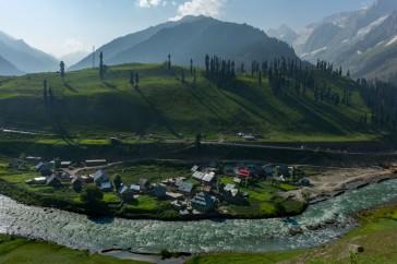 4. Sonmarg valley @Enroute Shekdur meadows _Nichnai_