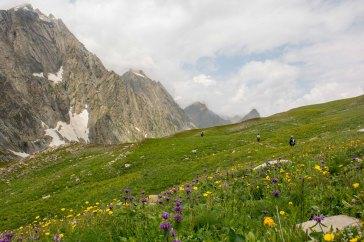 62. Descending the Gadsar pass_